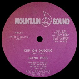Glenn Riccs - Keep On Dancing