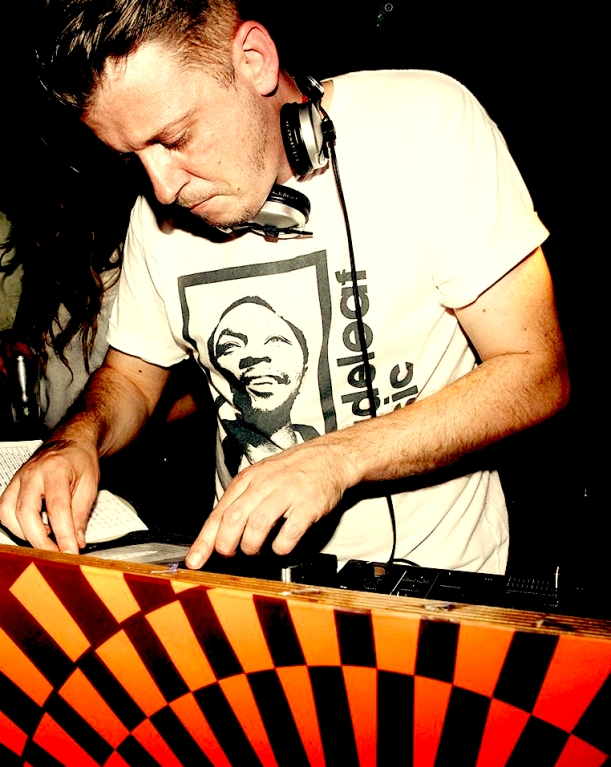 thatmanMonkz DJ copy